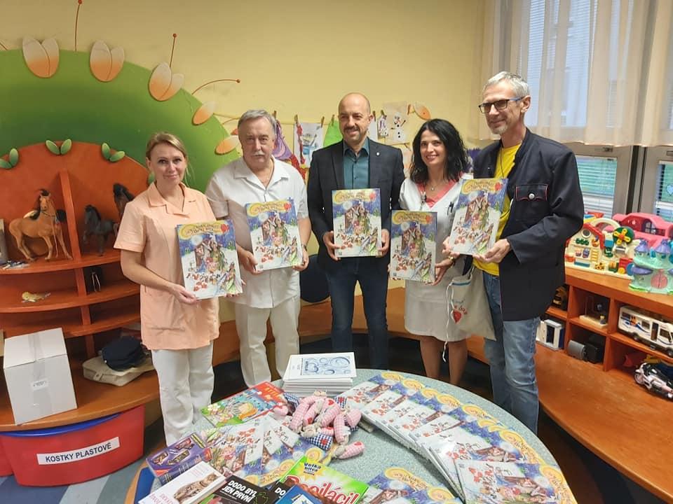 Předávání adventních kalendářů v Plzni